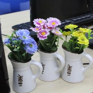 Artificial Flower Decoration in Cute Mini Ceramic Pot
